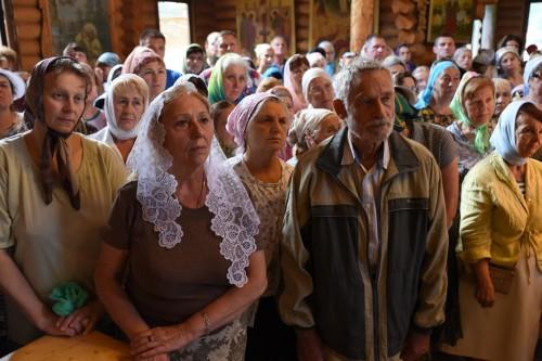светло и торжественно прошел великий спасительный праздник рождества христова в крестовоздвиженском храме
